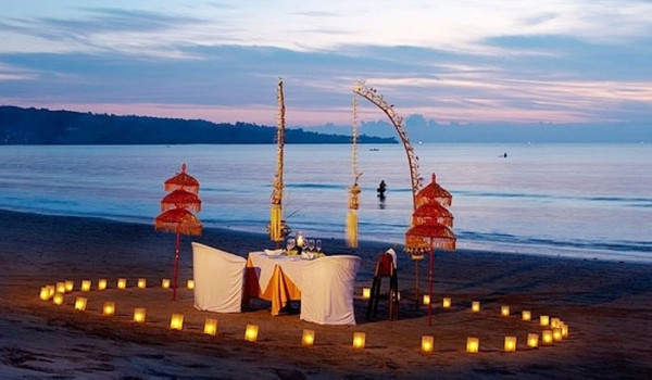 Jimbaran Beach Candle Light Dinner 1