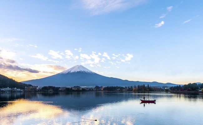Morning at Mt. Fuji and autumn foliage at Lake Kawaguchi- Yamanashi - Japan
